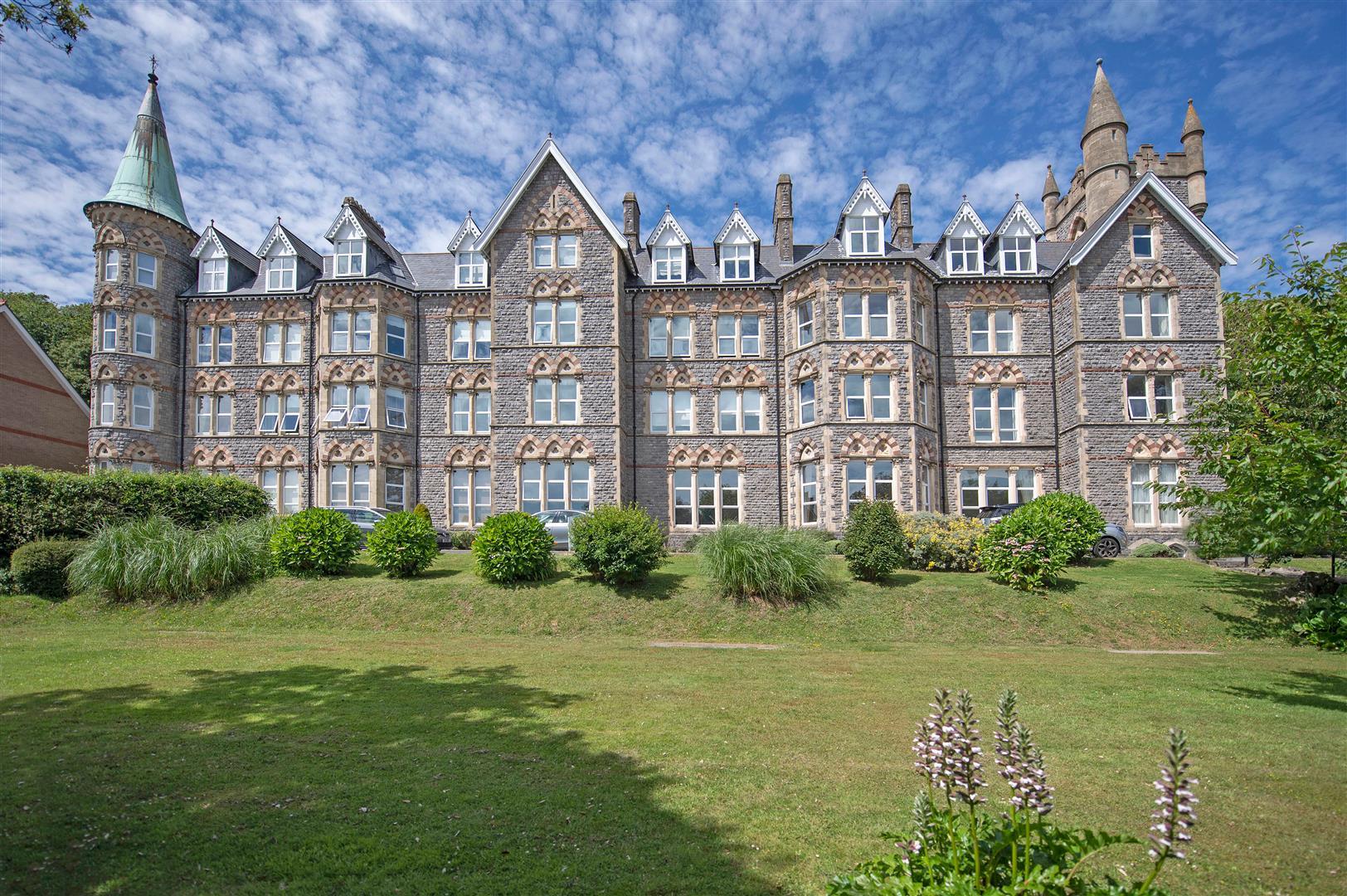 Langland Bay Manor, Langland, Swansea, SA3 4QH